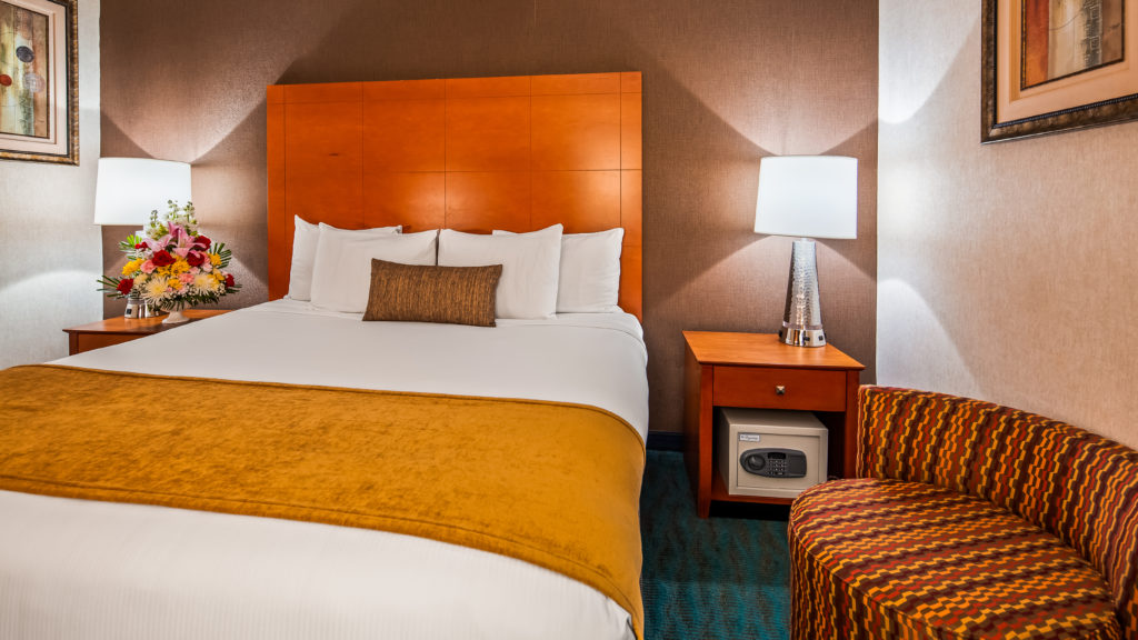 Best Western JFK Airport Hotel guest room