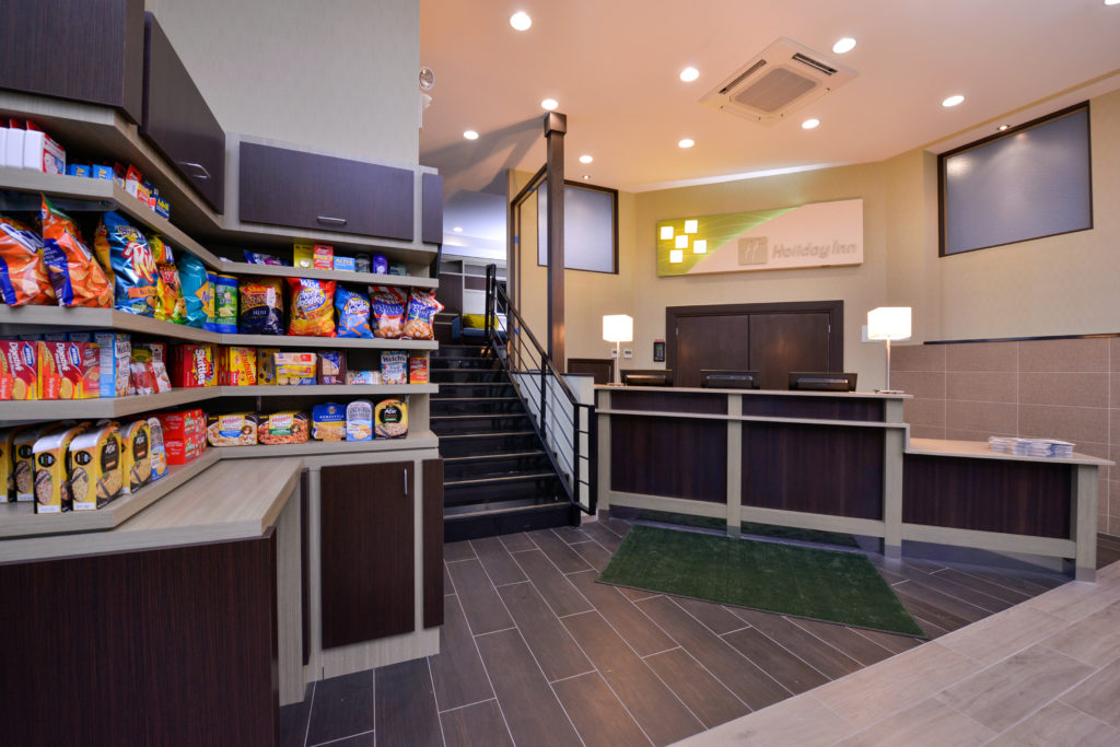 Holiday Inn New York JFK Airport Area front desk and convenience store