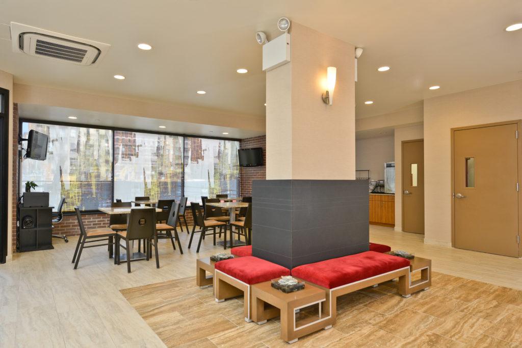 Comfort Inn Midtown West lobby seating