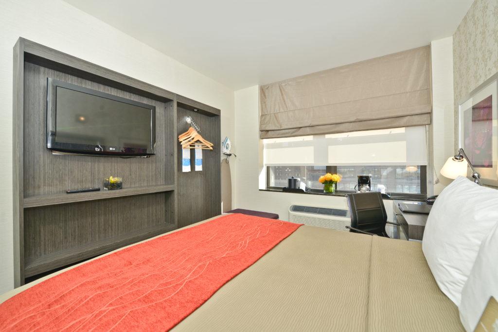 Comfort Inn Midtown West guest room