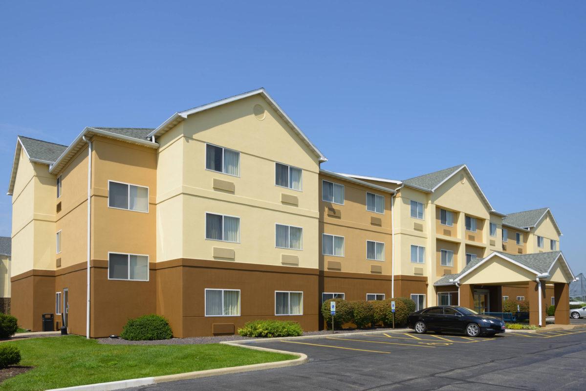 Fairfield Inn St. Louis Collinsville, IL exterior daytime