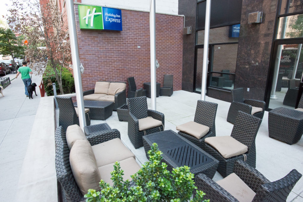Holiday Inn Express Manhattan Midtown West outside courtyard seating
