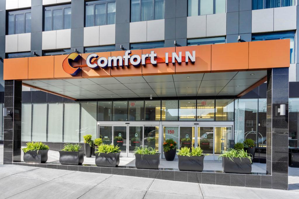 Comfort Inn Prospect Park-Brooklyn exterior daytime