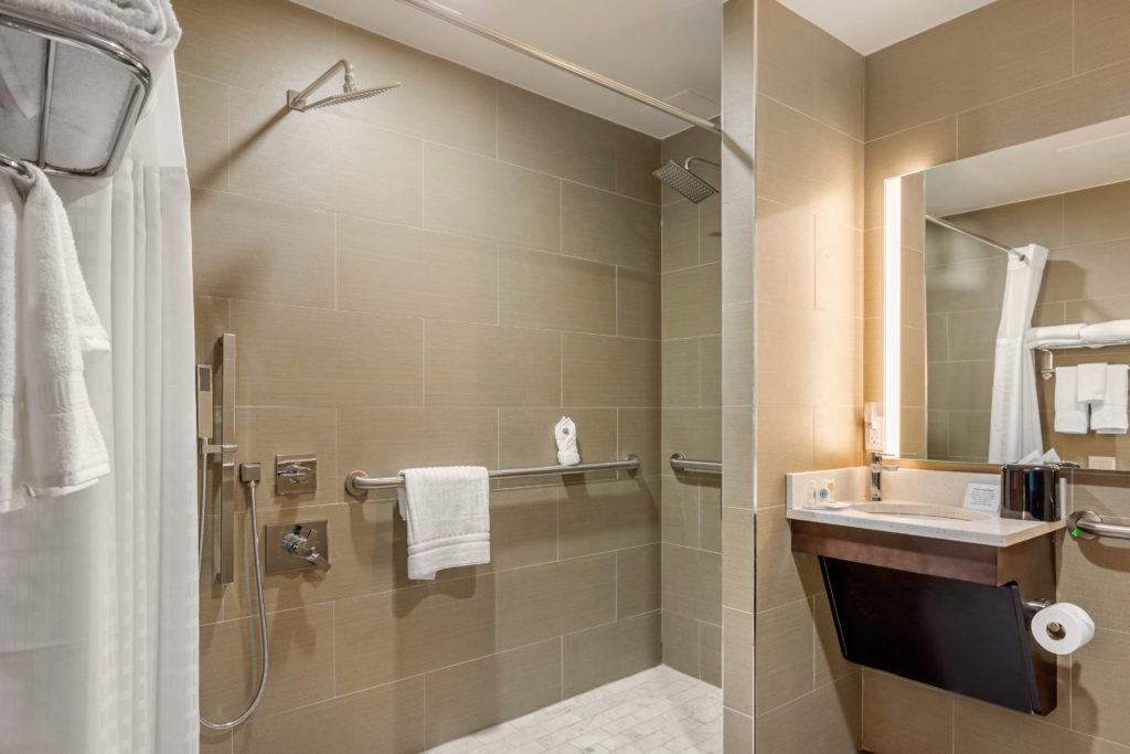 Comfort Inn Prospect Park-Brooklyn accessible bathroom shower