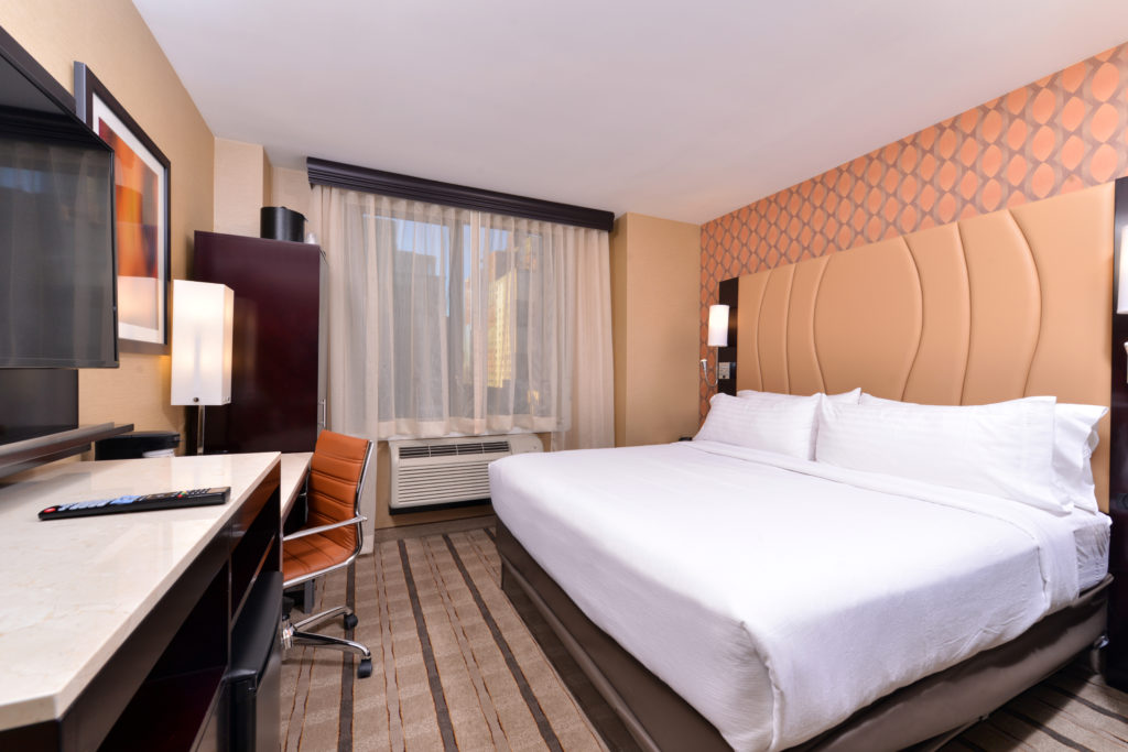Holiday Inn New York City – Times Square king guest room