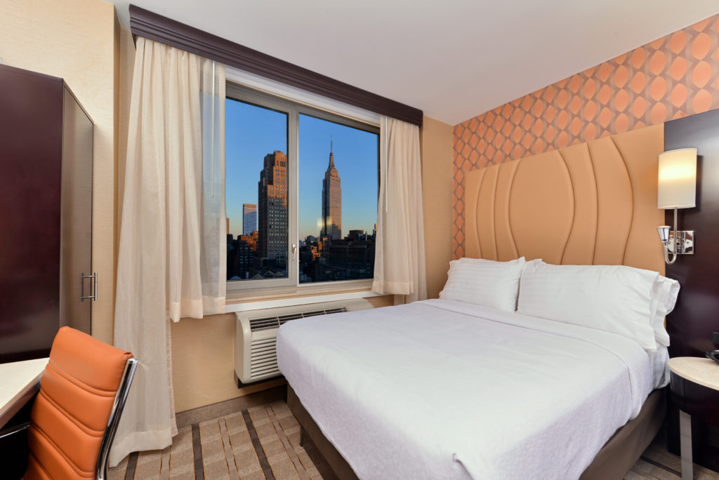 Holiday Inn New York City – Times Square guest room