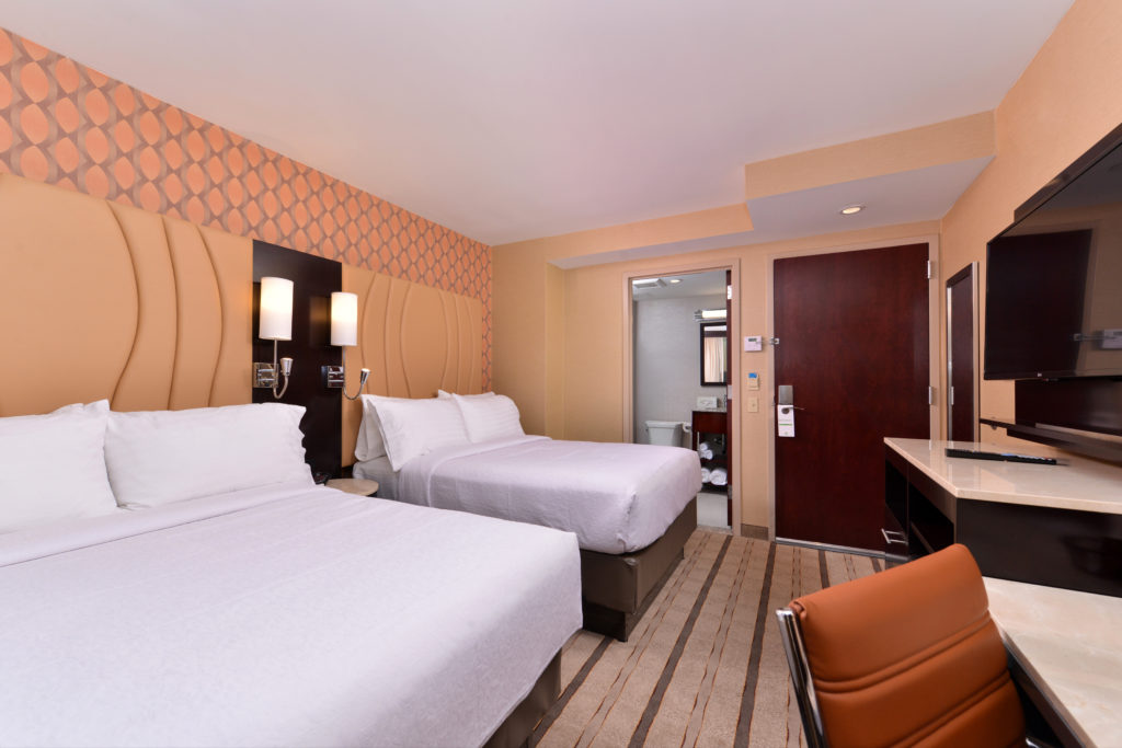Holiday Inn New York City – Times Square double beds guest room