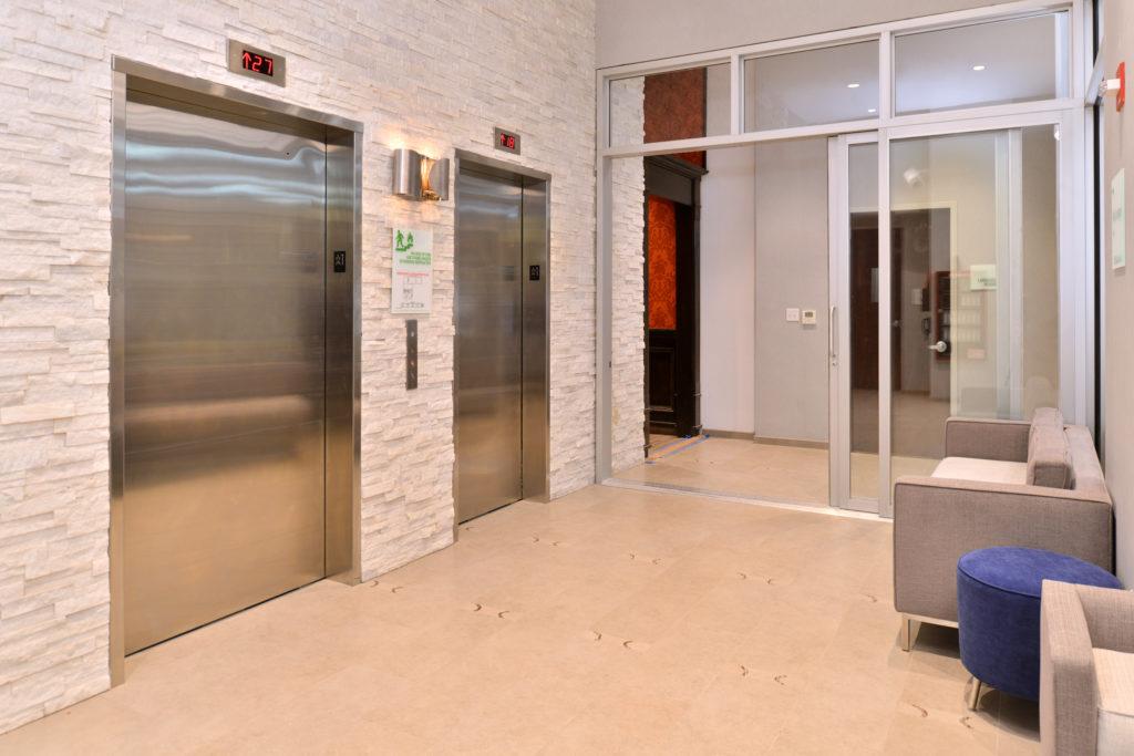 Holiday Inn New York City – Times Square elevators