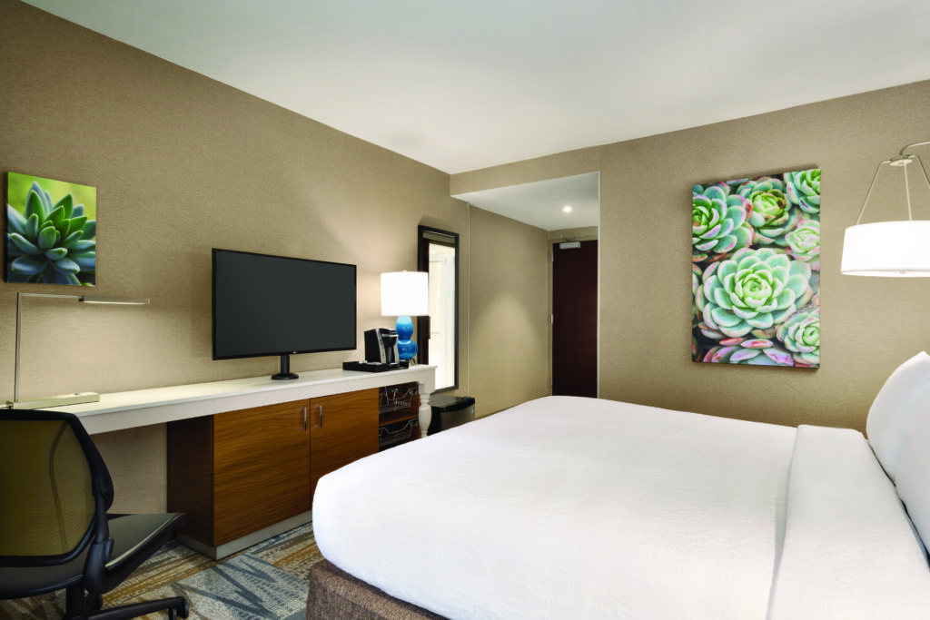 Hilton Garden Inn New York Times Square South King Bed Accessible Guest Room