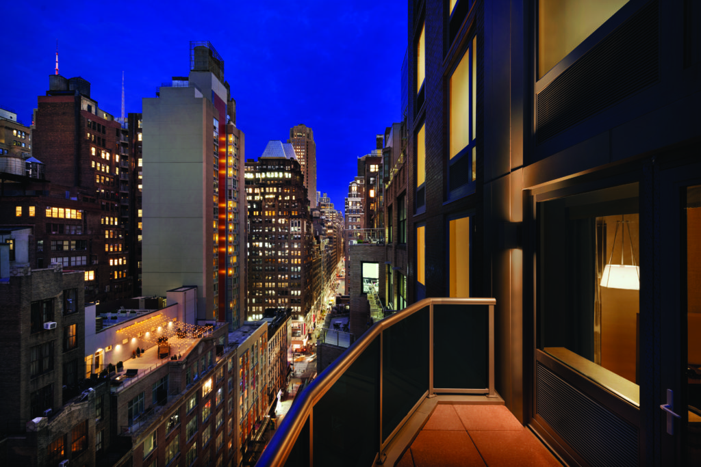 Hilton Garden Inn New York Times Square South king bed with balcony