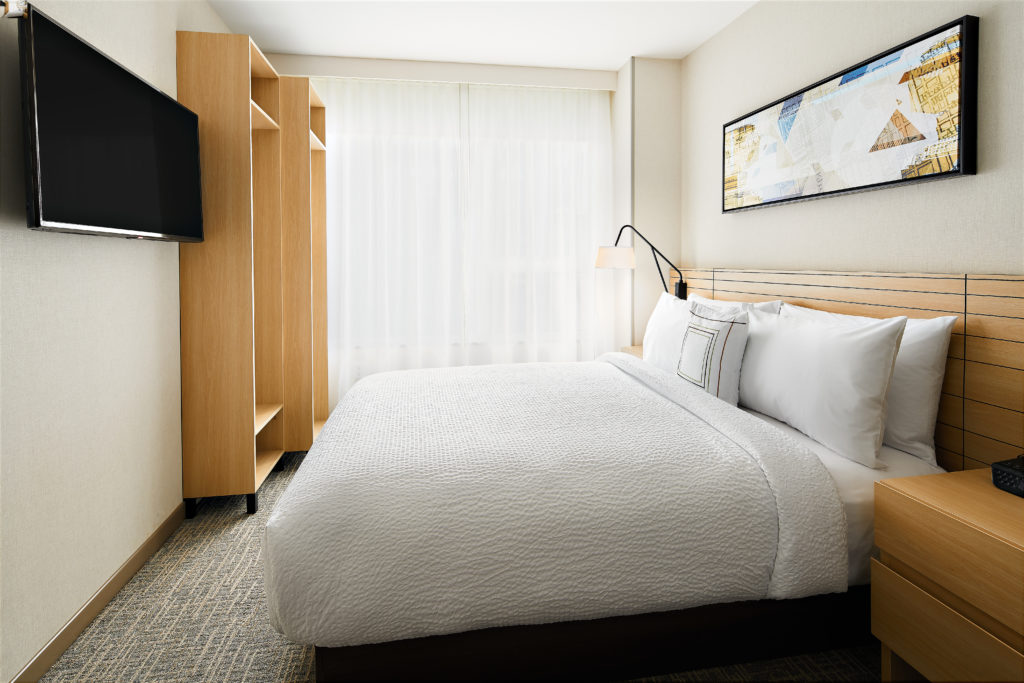 TownePlace Suites New York Manhattan/Times Square queen guest room