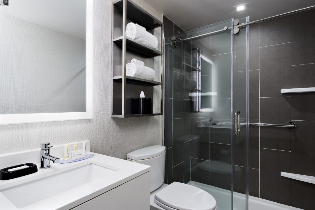 TownePlace Suites New York Manhattan/Times Square standard shower